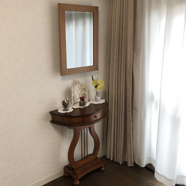 インテリア壁掛け仏壇「鏡壇ミラリエ」ライトブラウン設置例-02