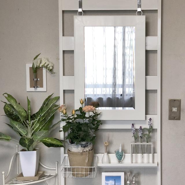 インテリア壁掛け仏壇「鏡壇ミラリエ」ペインテッドホワイト設置例-02