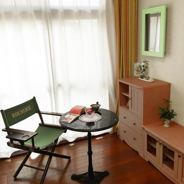 インテリア壁掛け仏壇「鏡壇ミラリエ」パステルカラー設置例-02